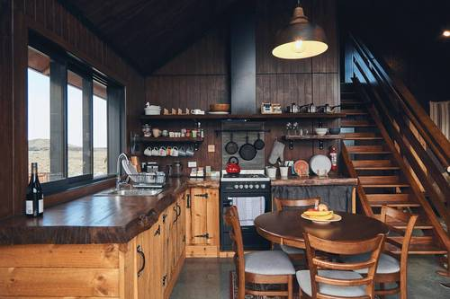 The equipped kitchen of the High Country Cabin on the South Island of New Zealand