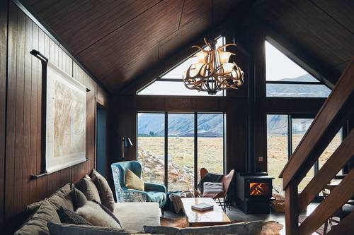 High Country Cabin Cosy lounge room