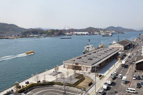 Aerial view of the hotel and the harbour in Onomichi
