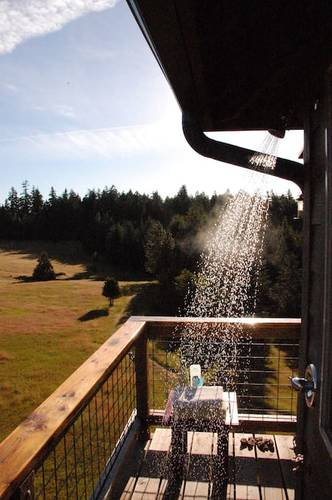 Hot outdoor showers on the deck