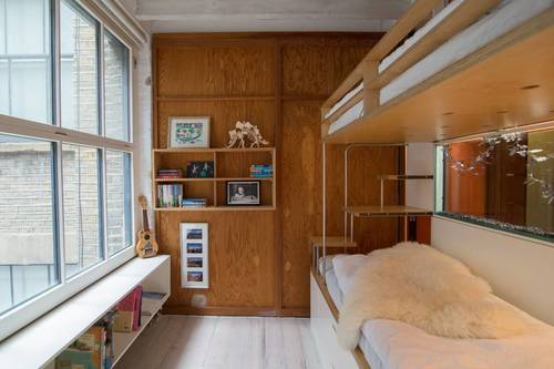 Kids bedroom with bunkbeds